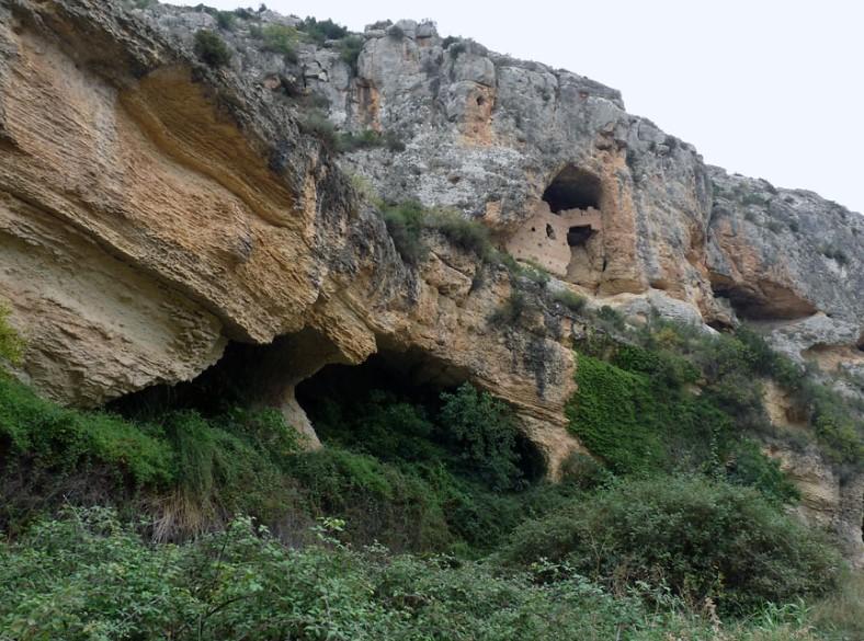 Estrecho de las Cuevas de la Encarnación